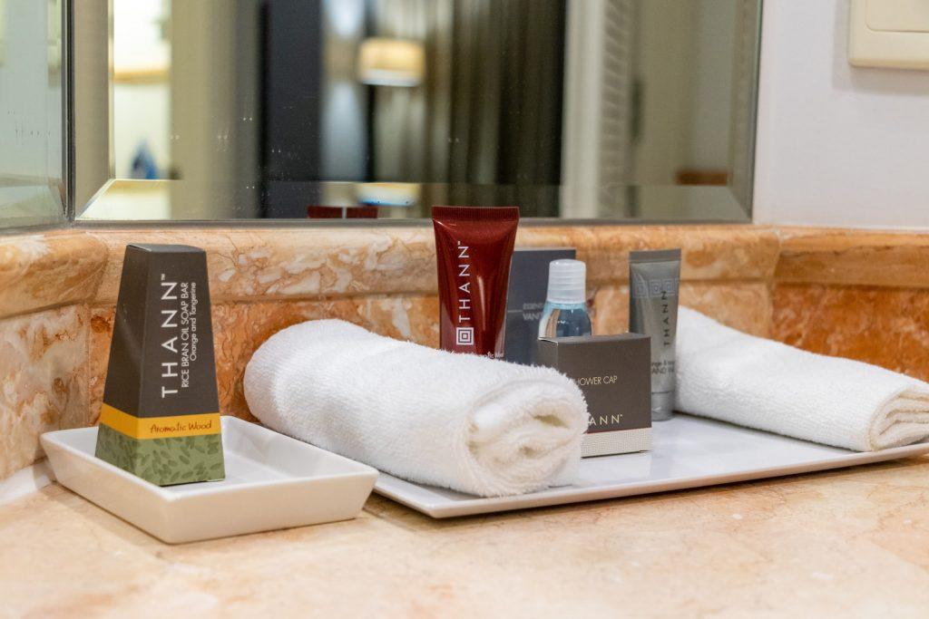 Surfers Paradise Marriott Resort and Spa Junior Suite bathroom amenities
