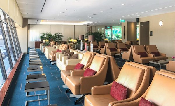 Emirates Lounge Singapore seating featured