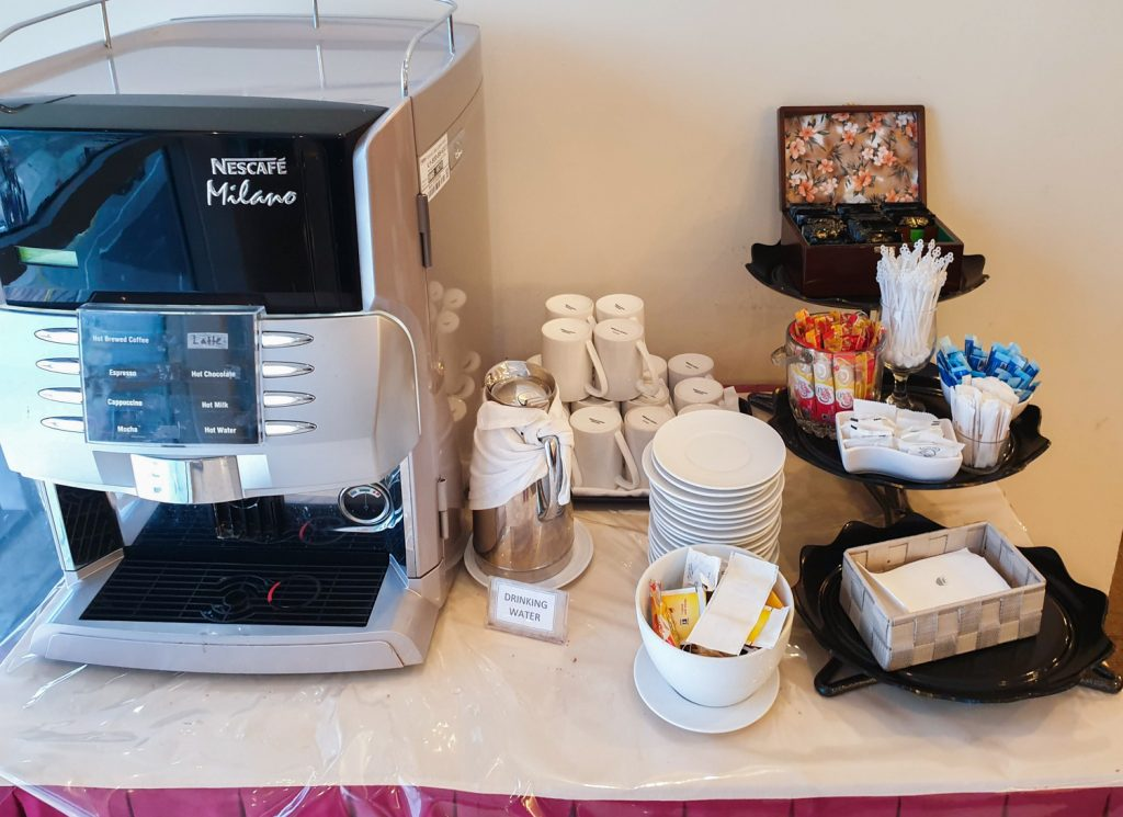 Malaysia Airlines Golden Lounge tea and coffee