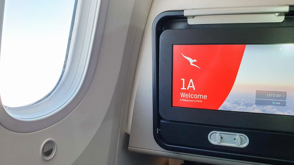 QF9 Qantas 787 Business Class - IFE screen