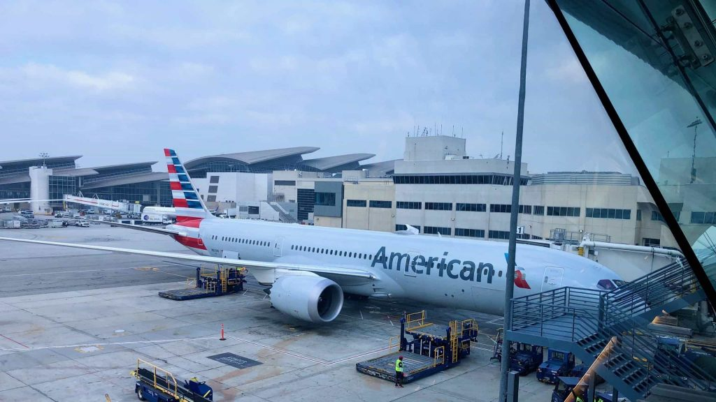 American Airlines Flagship Lounge Los Angeles tarmac view