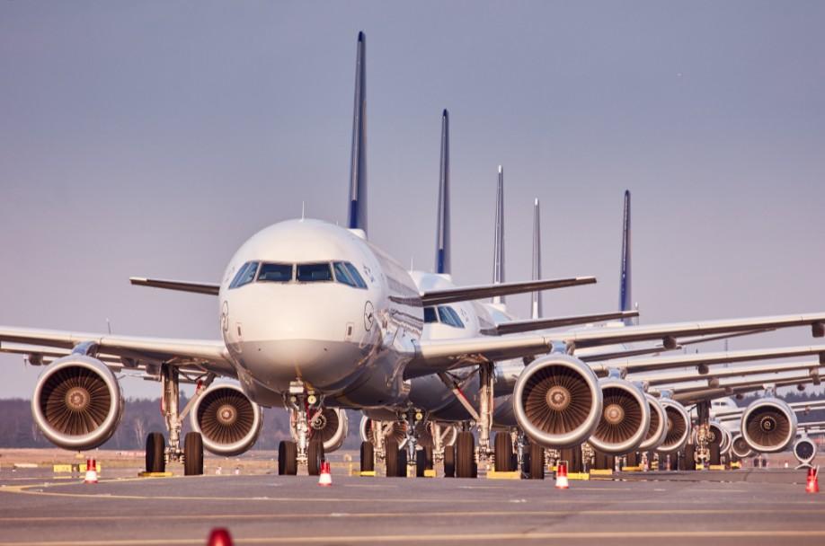 Lufthansa parked planes