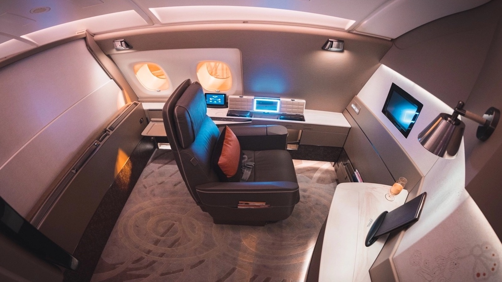 Follow some of these tips and you can find yourself relaxing in a Singapore Airlines First Class Suite