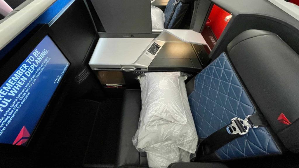 Delta One A350 Suite seat