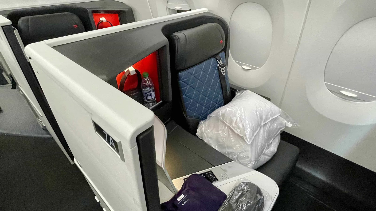 Delta One A350 Suite