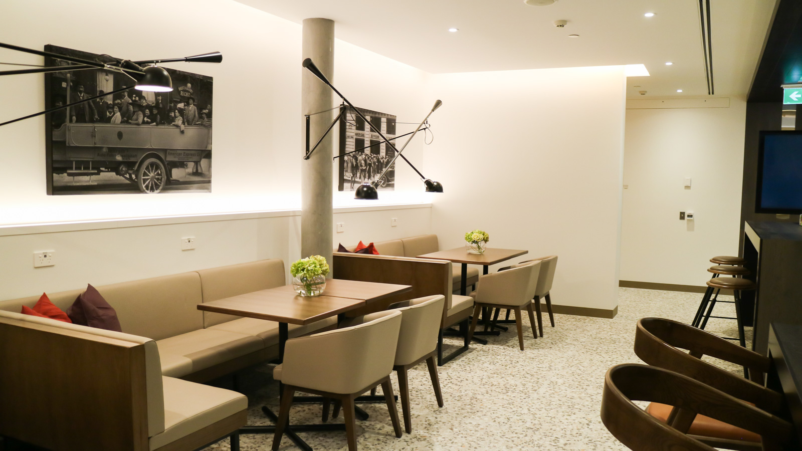 Amex Melbourne Lounge dining