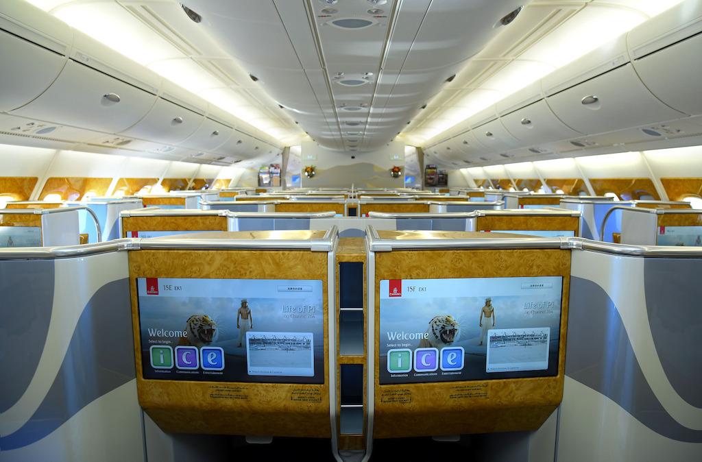 EK A380 J
