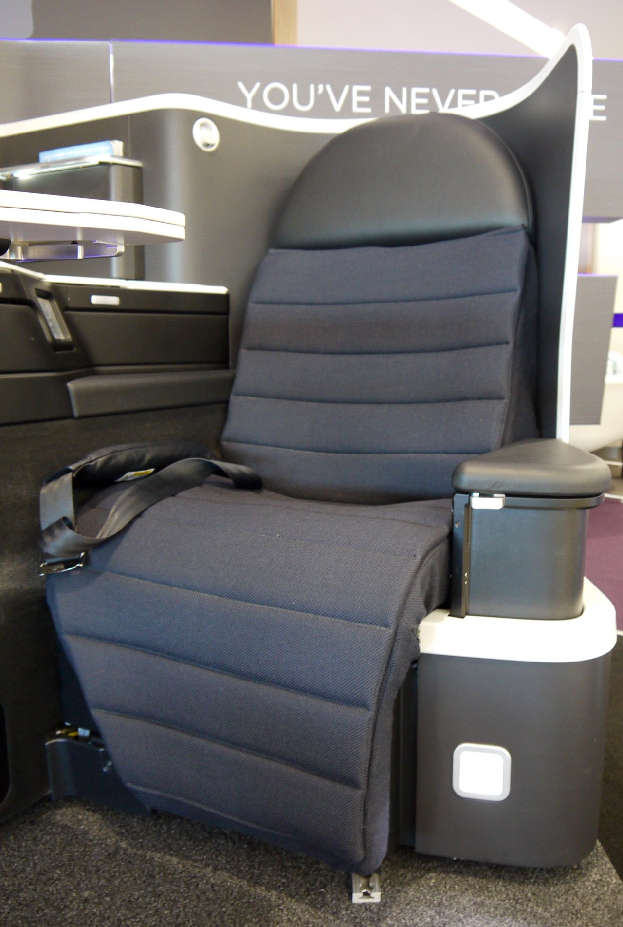Virgin Australia new 2015 Business Class A330-777 Seat (1)