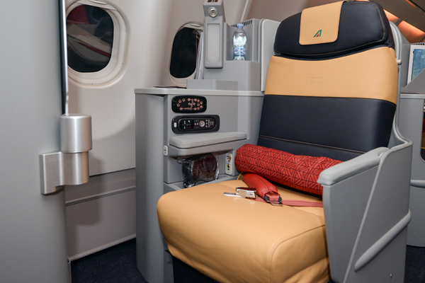 Alitalia Long Haul Business Class 3