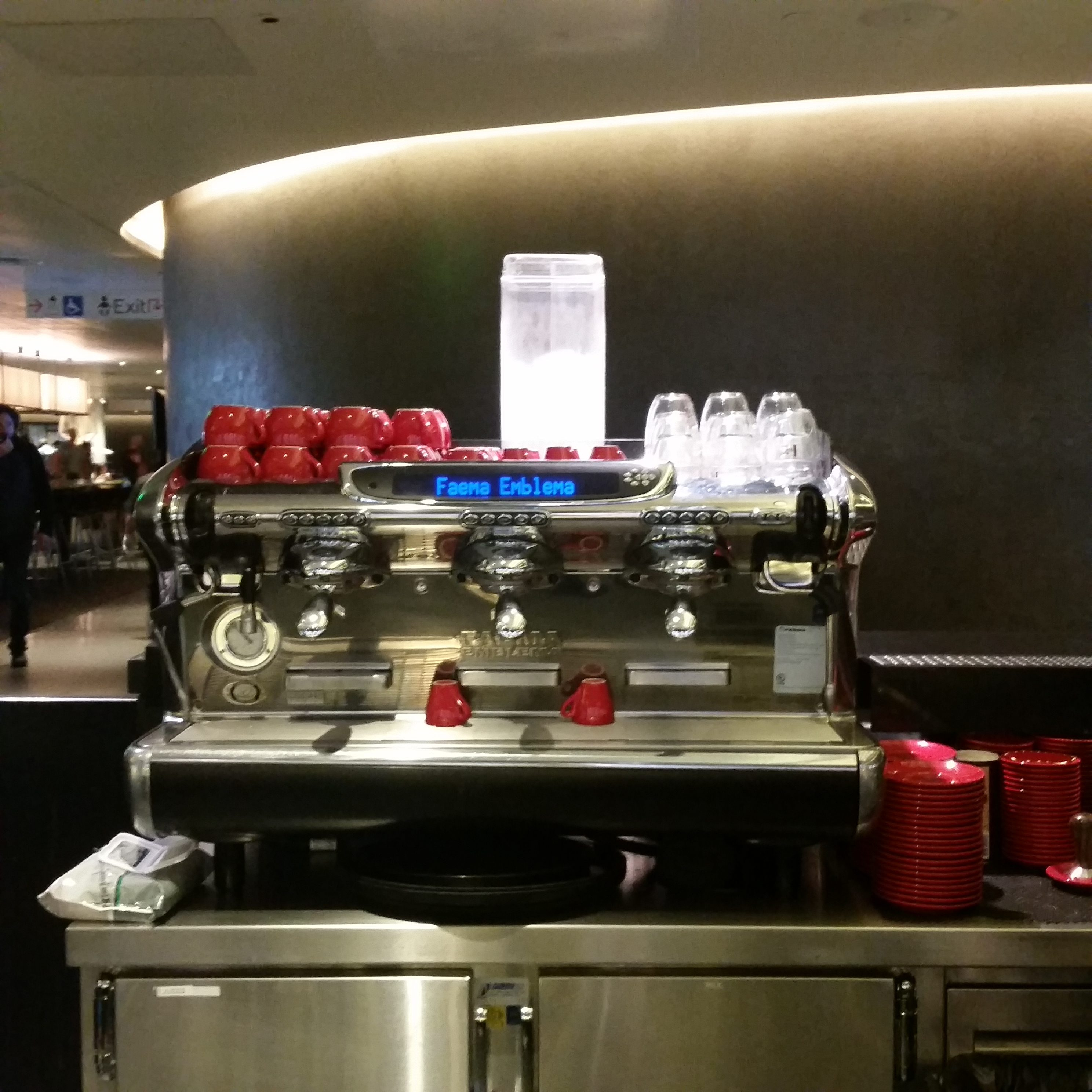 Qantas LAX lounge review coffee machine
